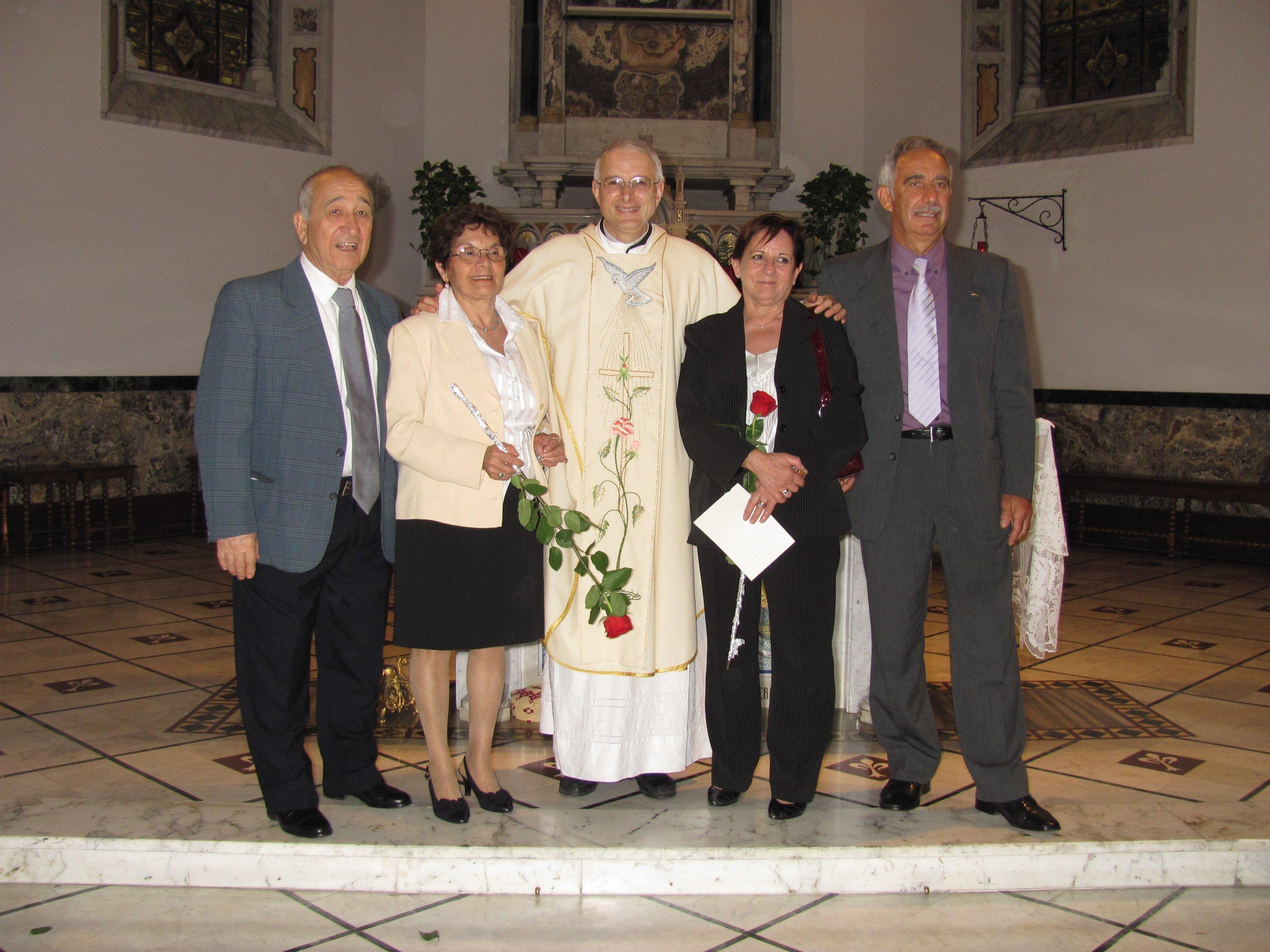 anniversari_di_matrimonio_e_di_ordinazione_2012-06-03-11-24-30