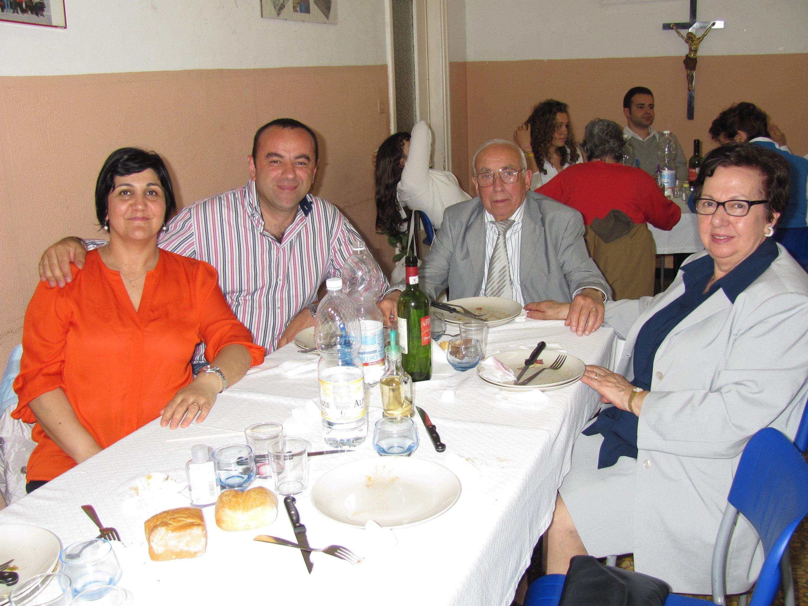 anniversari_di_matrimonio_e_di_ordinazione_2012-06-03-13-15-10