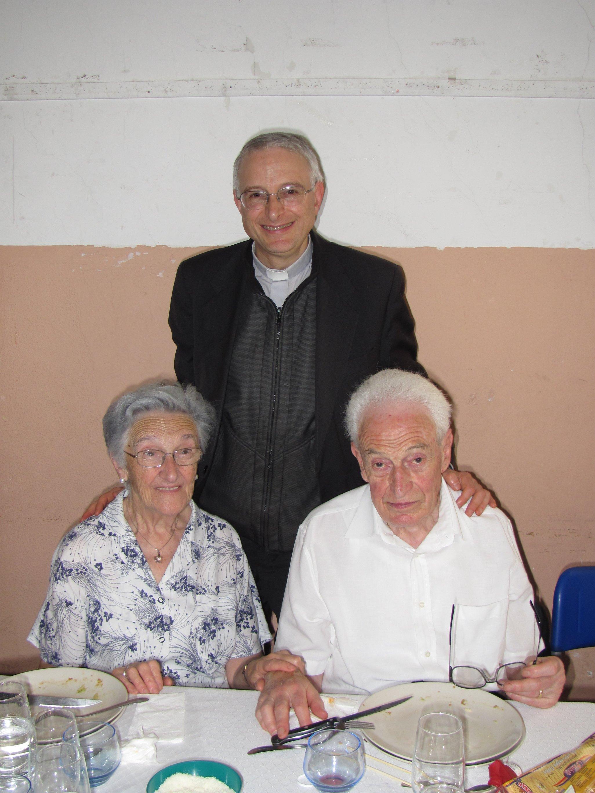 anniversari_di_matrimonio_e_di_ordinazione_2012-06-03-13-20-12