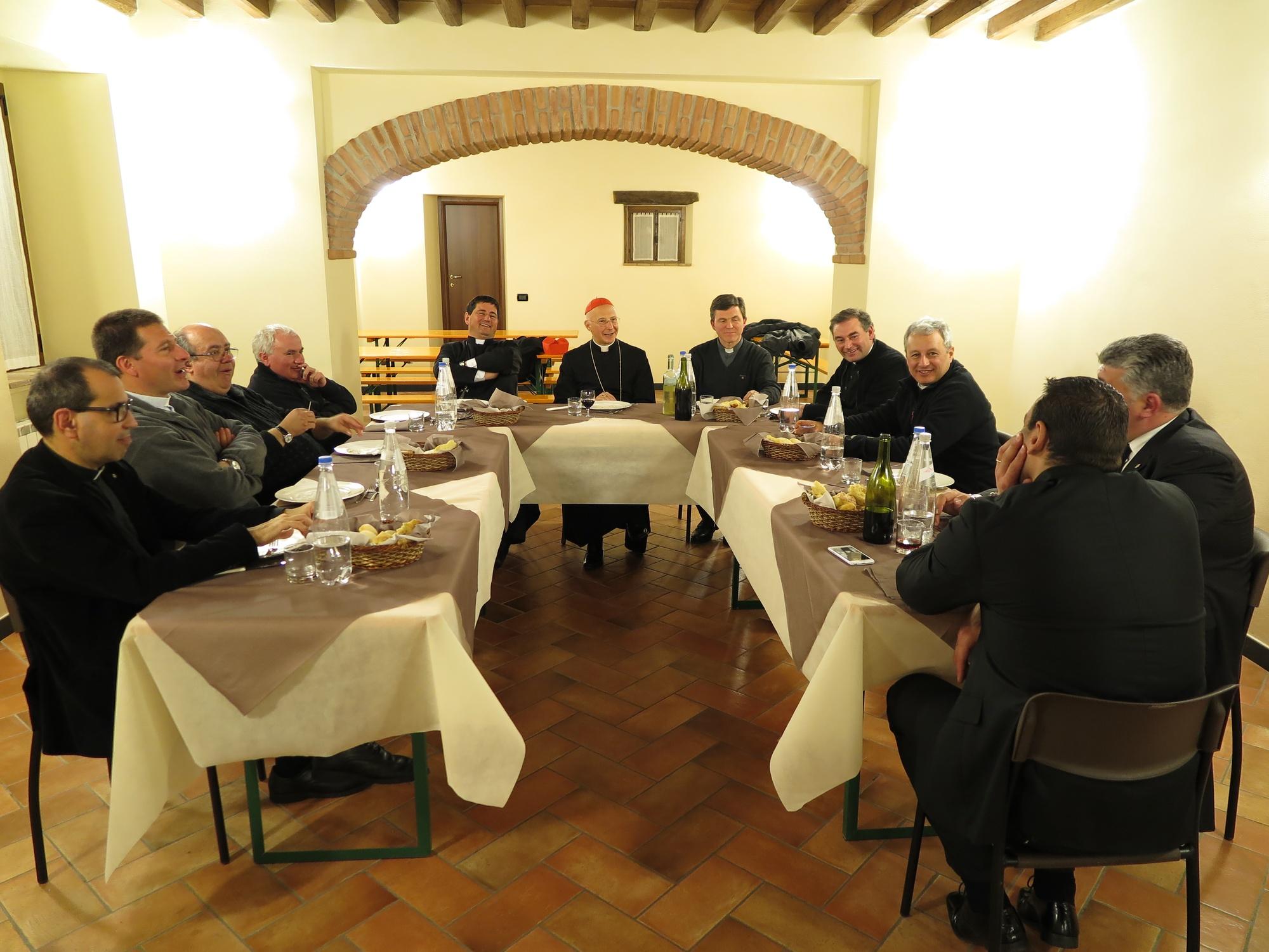 cena-classe-con-cardinale-a-ceranesi-2016-03-17-21-57-06
