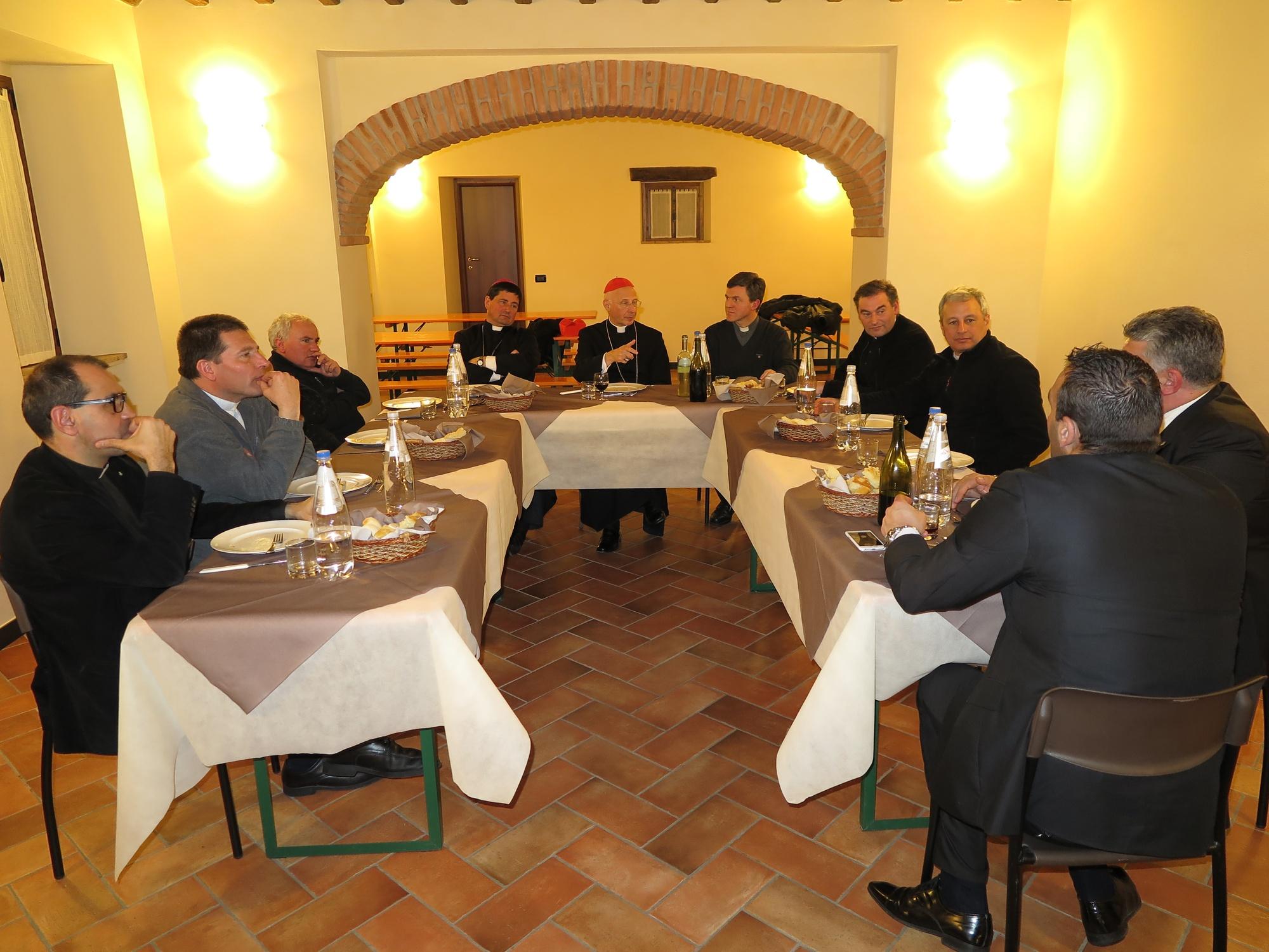 cena-classe-con-cardinale-a-ceranesi-2016-03-17-21-57-29