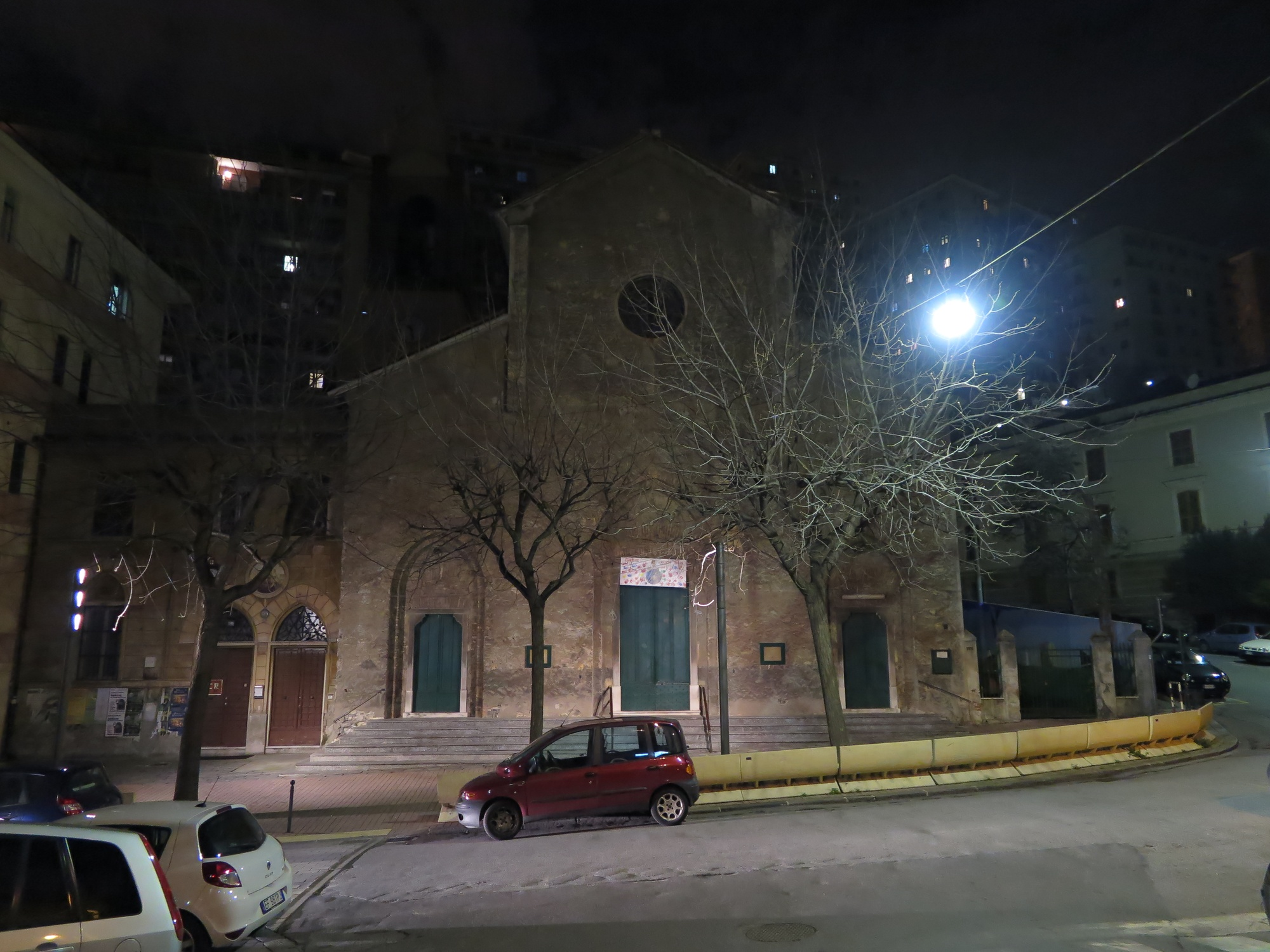 chiesa-esterno-notte-2016-03-07-22-28-31