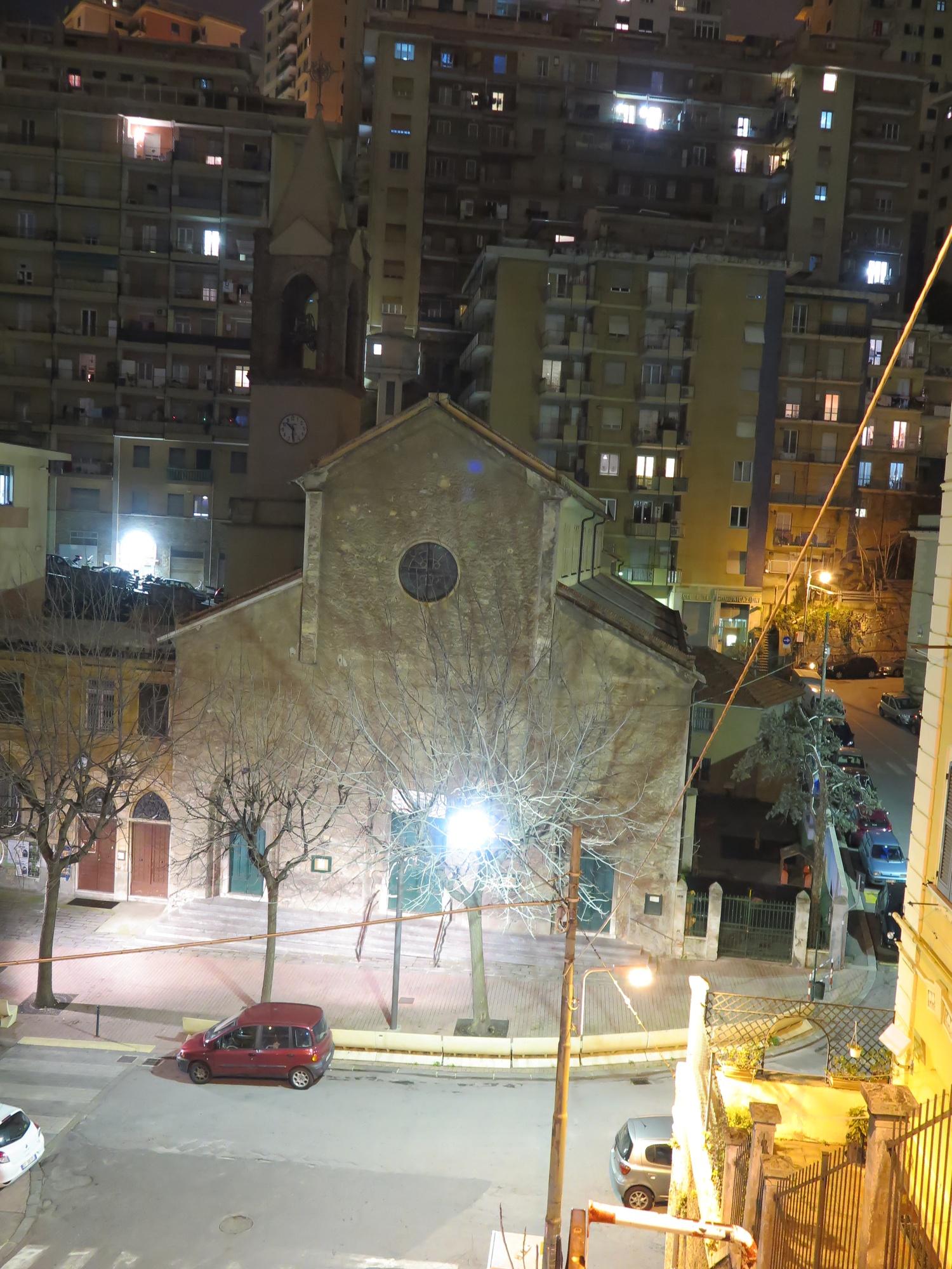 chiesa-esterno-notte-2016-03-07-22-30-29