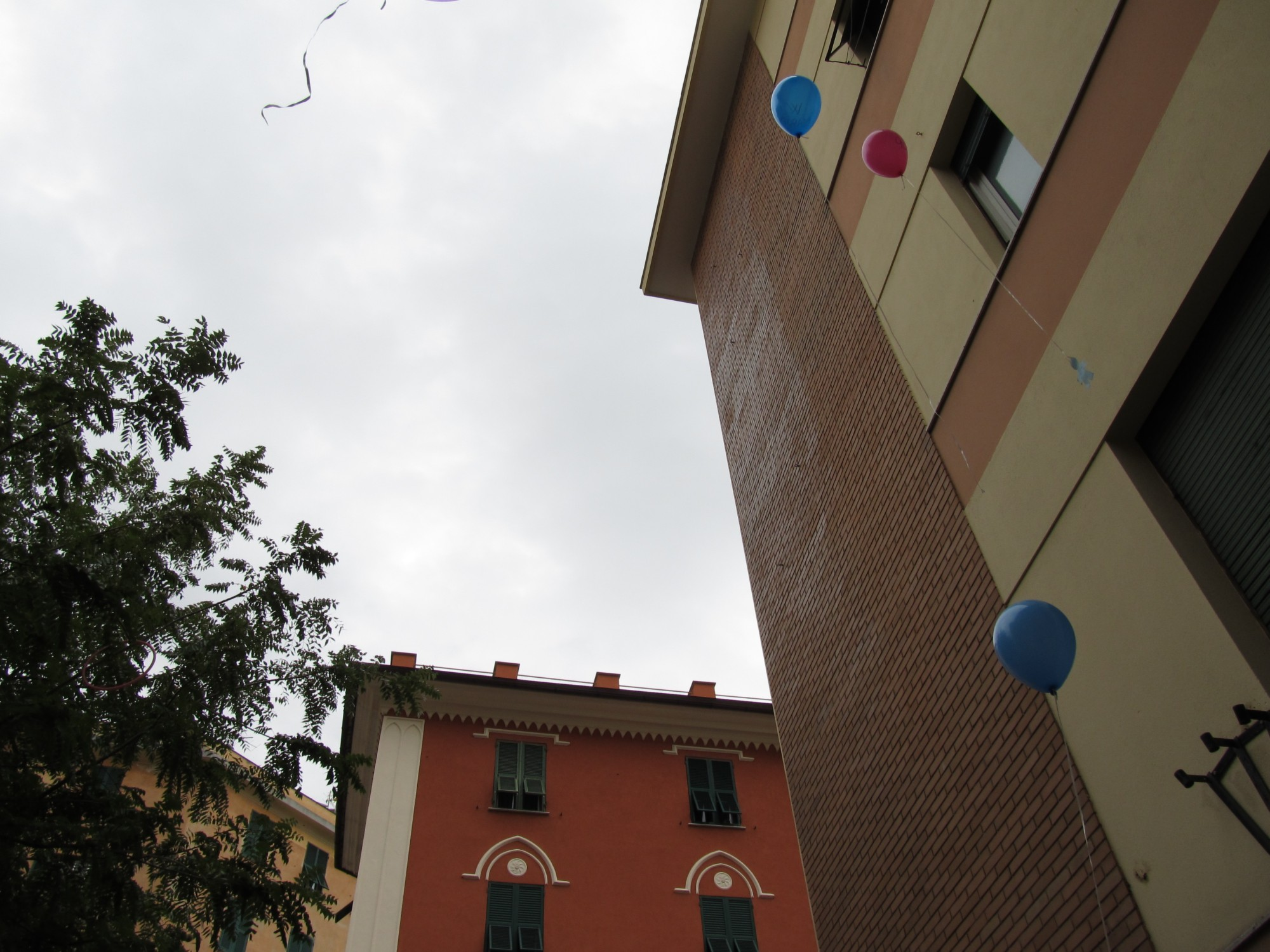 lancio_palloncini_2013-10-13-11-59-31