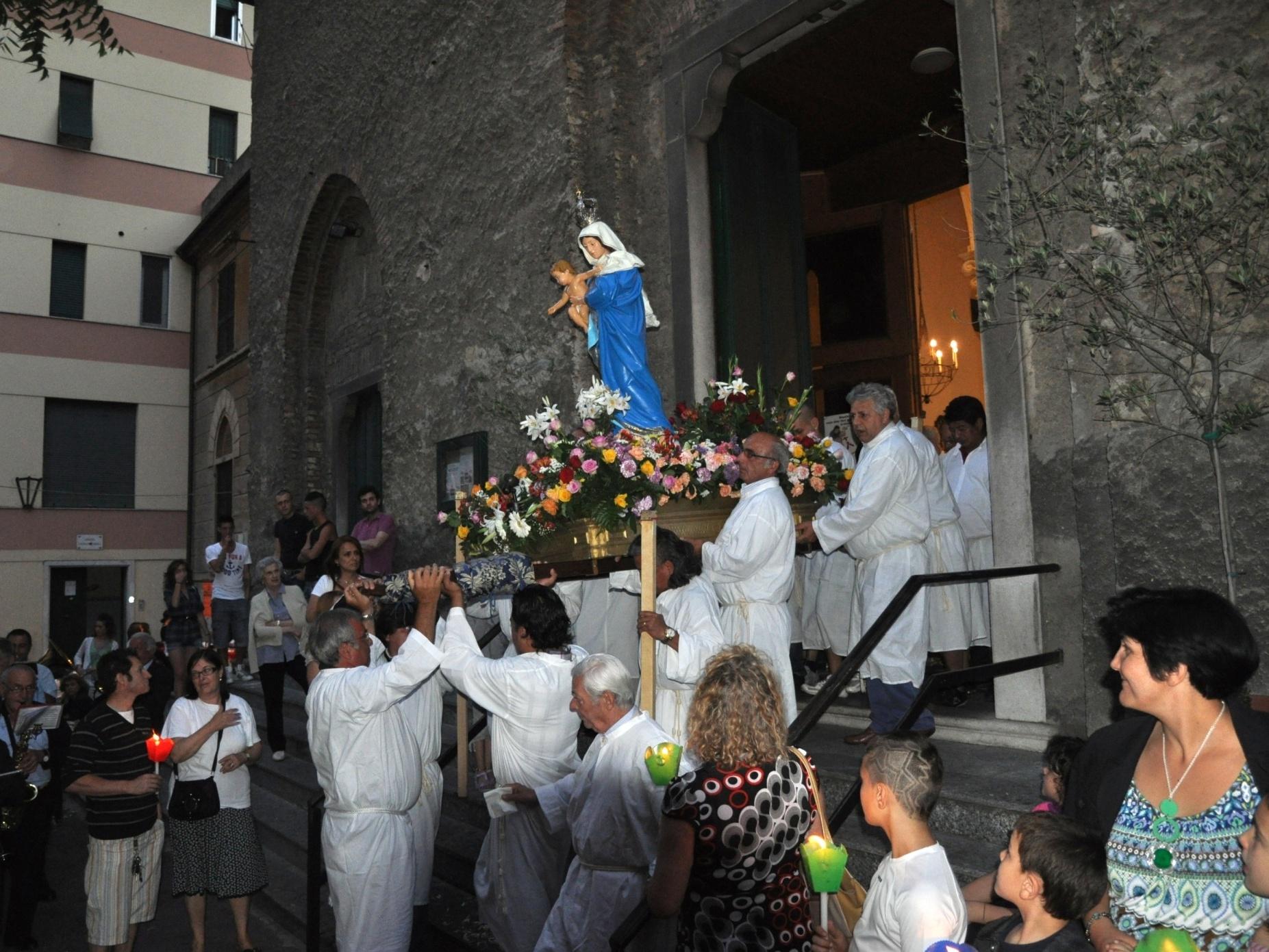 processione_madonna-2011-05-29-21-01-41