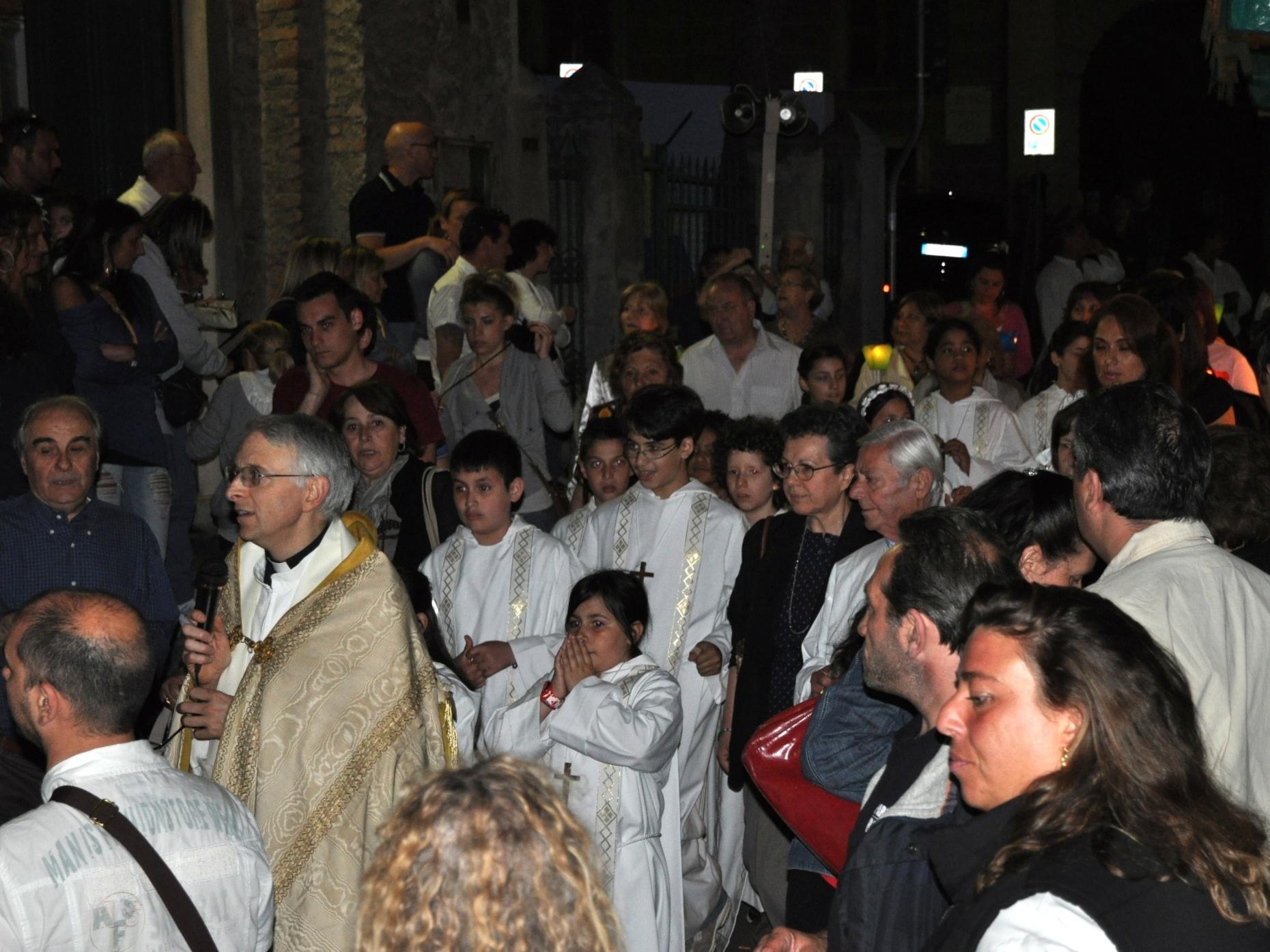 processione_madonna-2011-05-29-21-53-36
