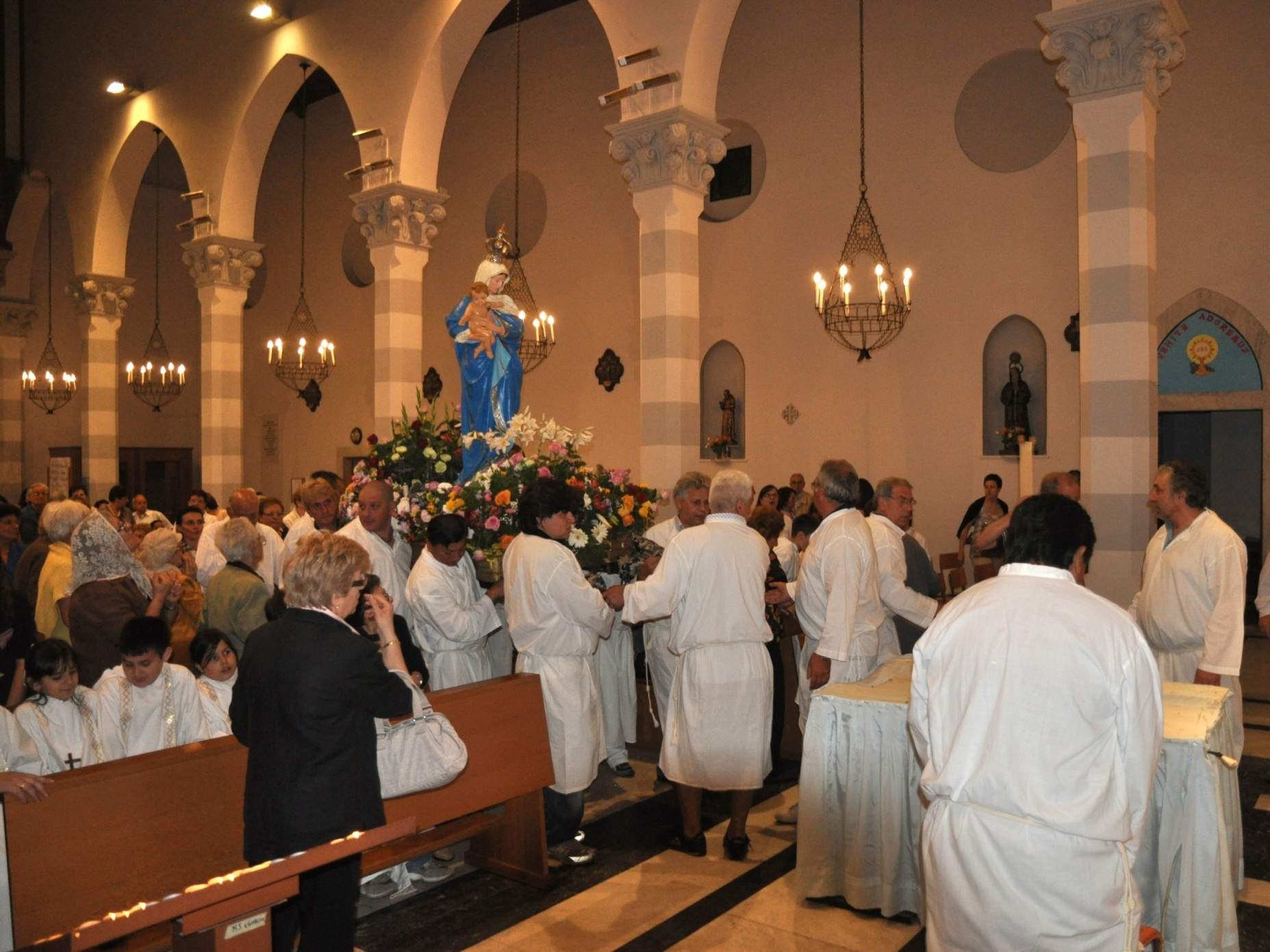 processione_madonna-2011-05-29-22-00-53