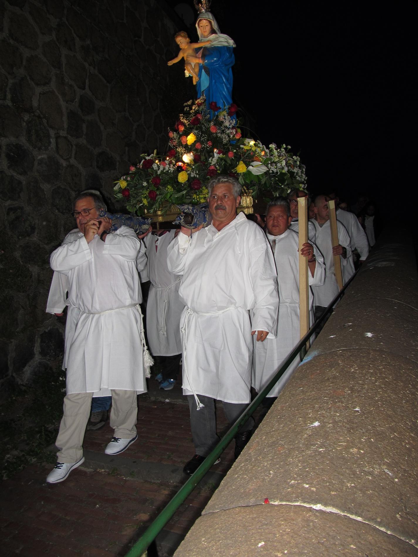 processione-madonna-2015-05-31-21-28-32