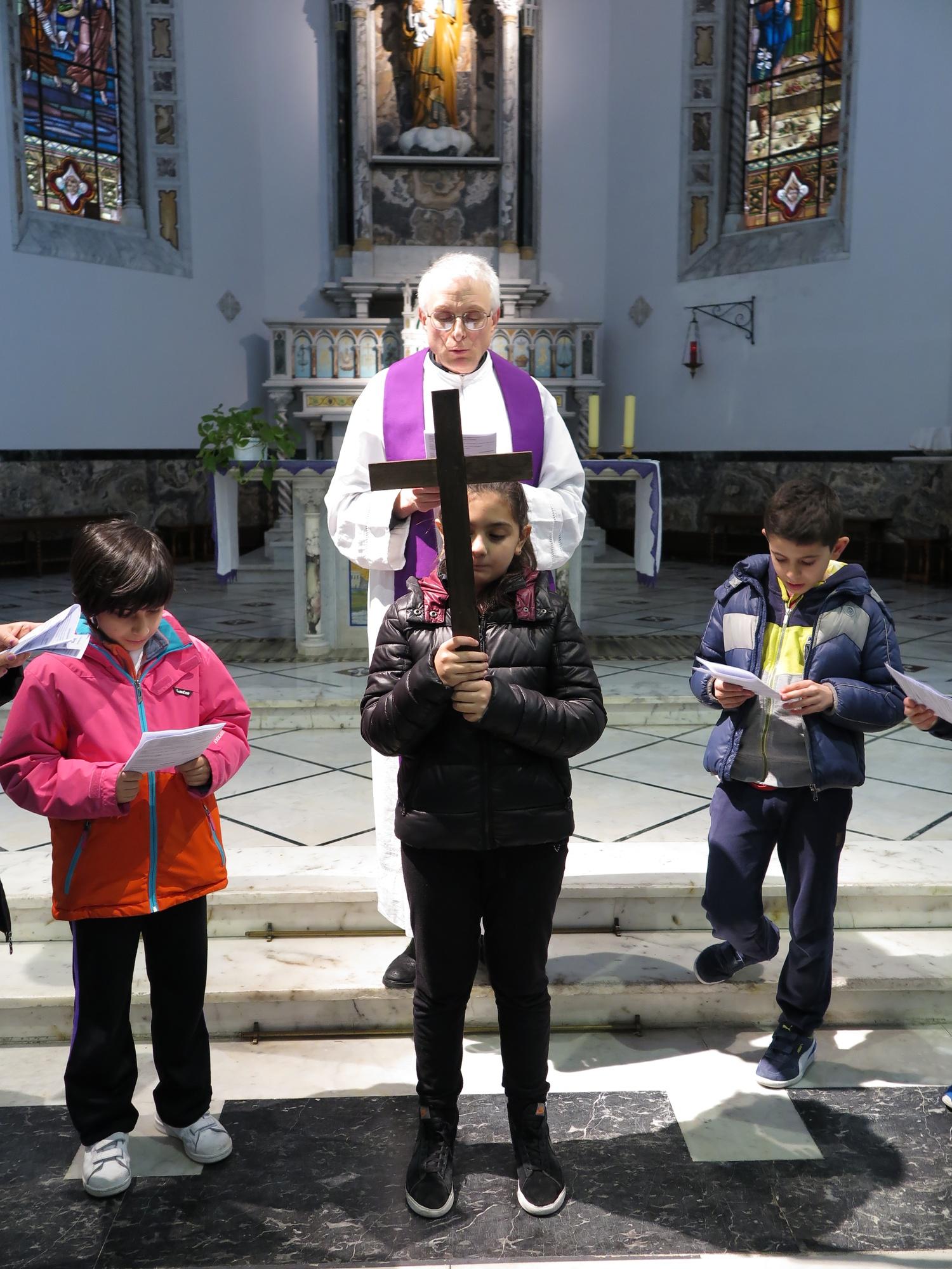via-crucis-catechismo-2016-03-15-17-03-21