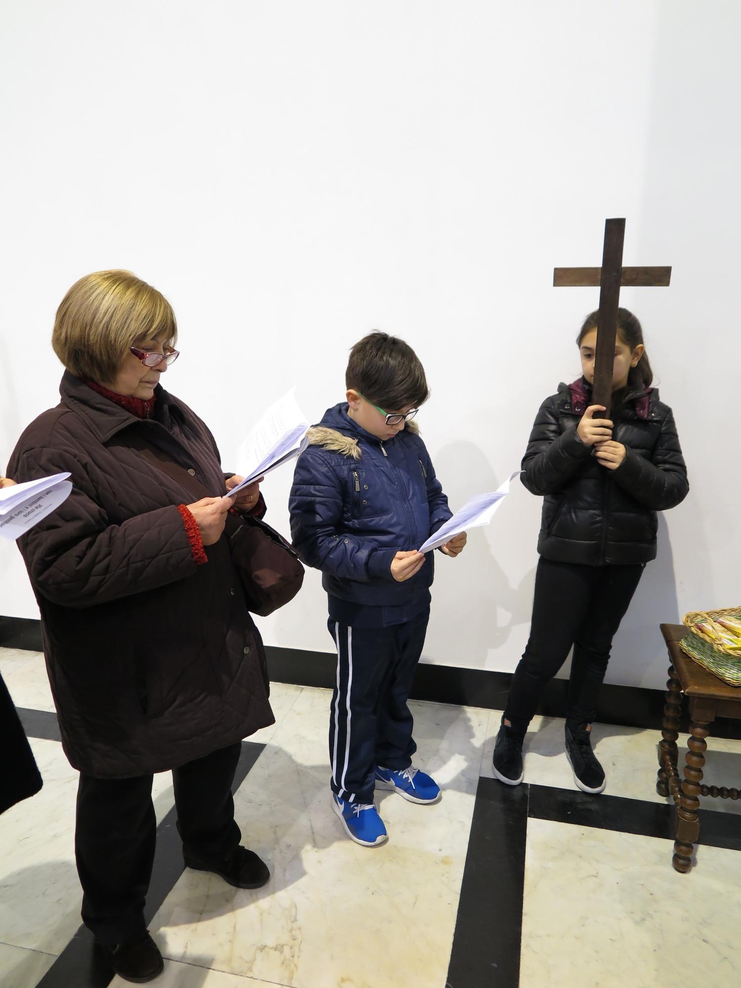 via-crucis-catechismo-2016-03-15-17-08-22
