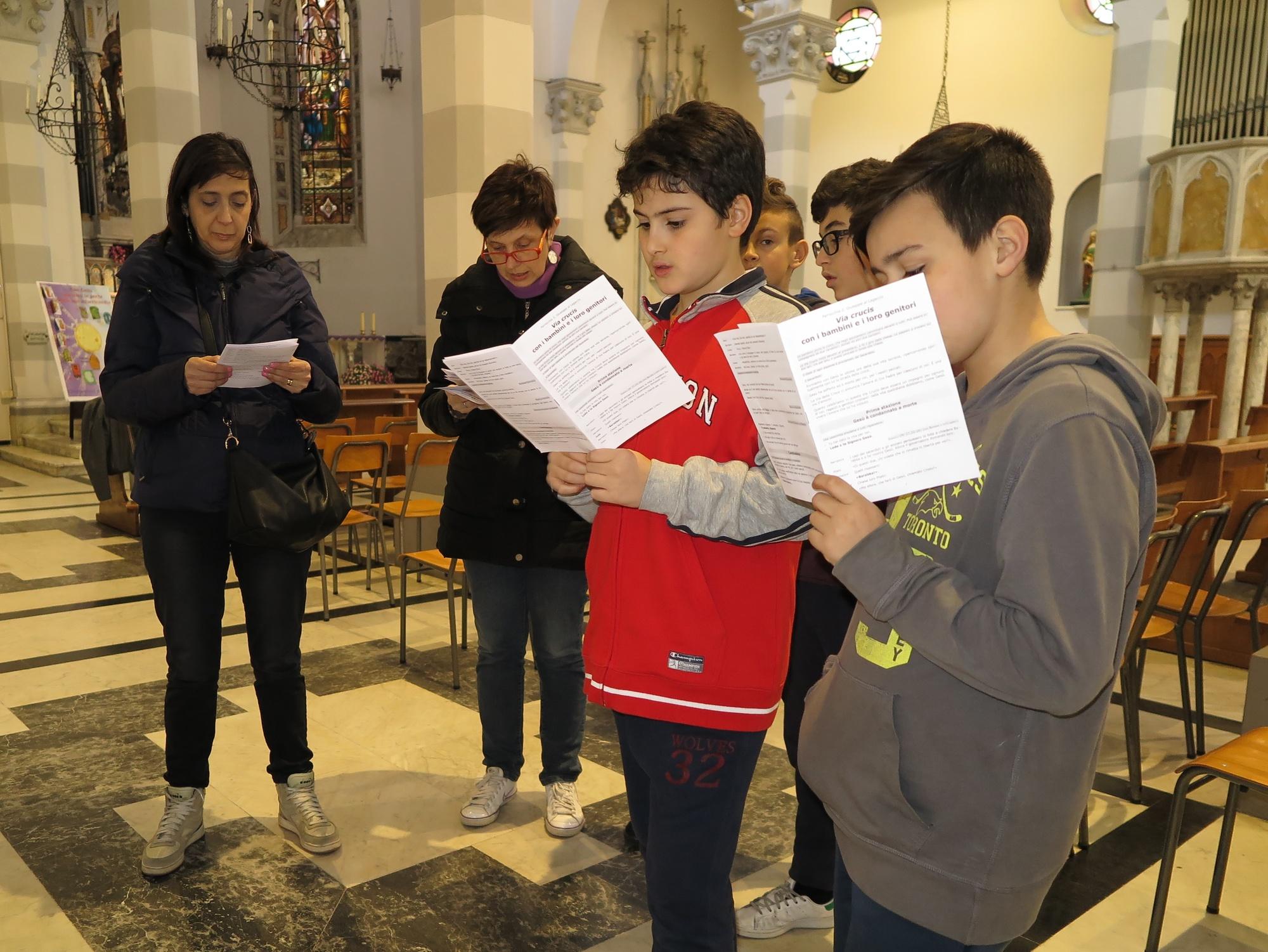 via-crucis-catechismo-2016-03-18-15-20-39