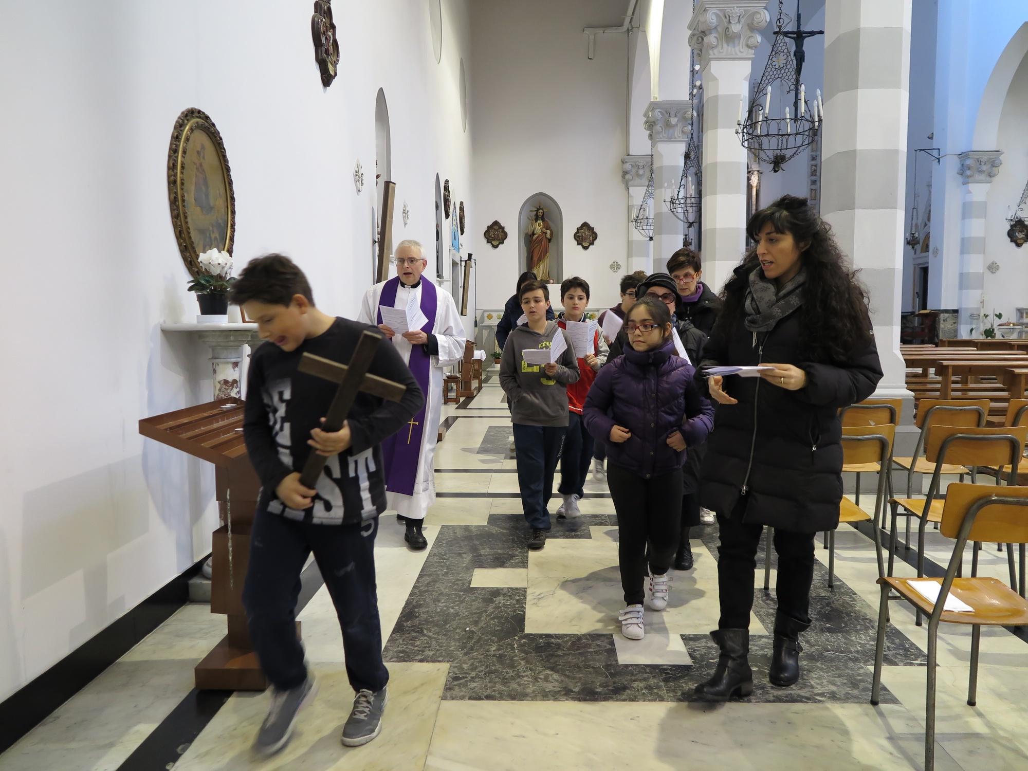 via-crucis-catechismo-2016-03-18-15-21-47