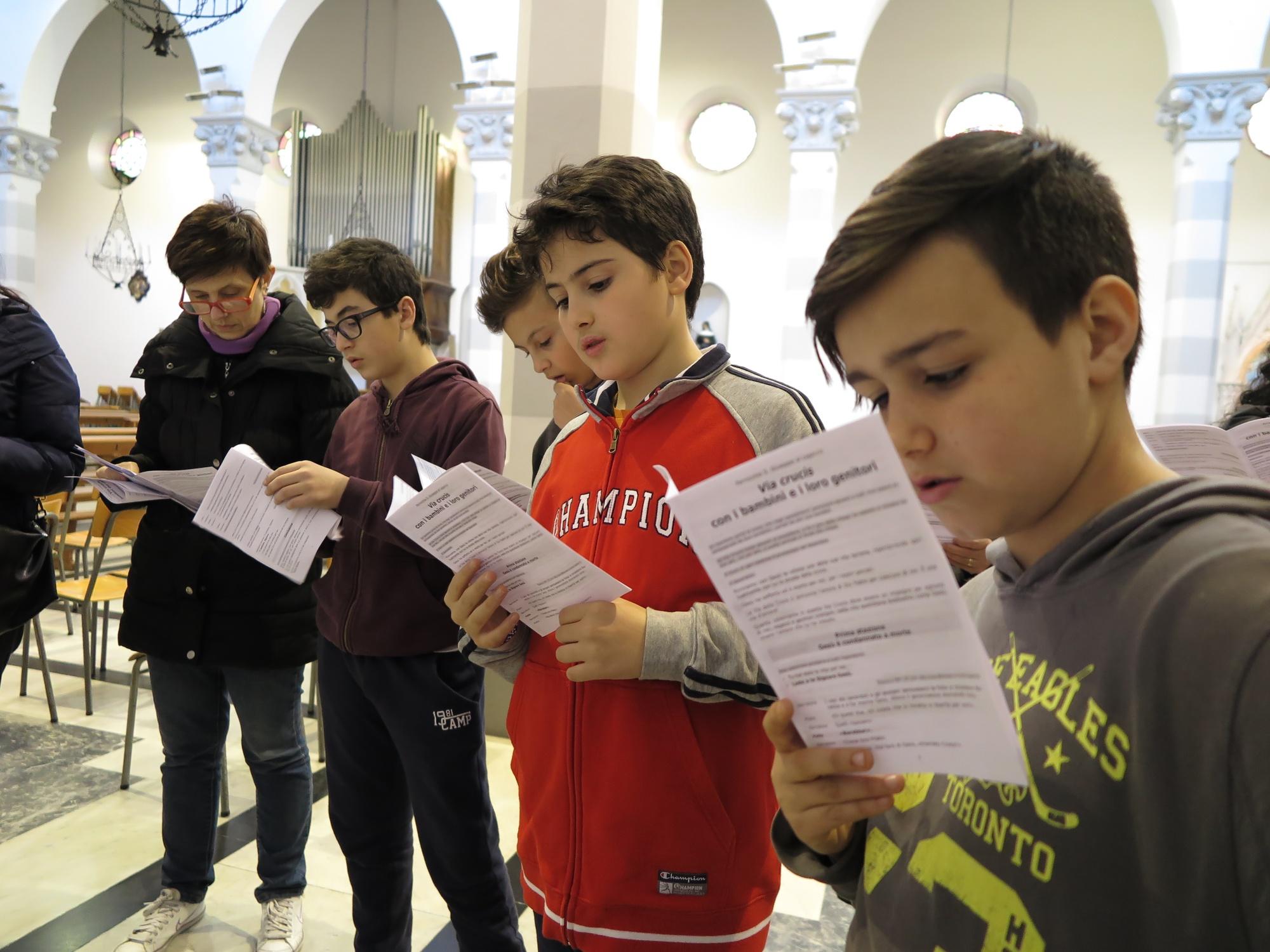 via-crucis-catechismo-2016-03-18-15-22-43