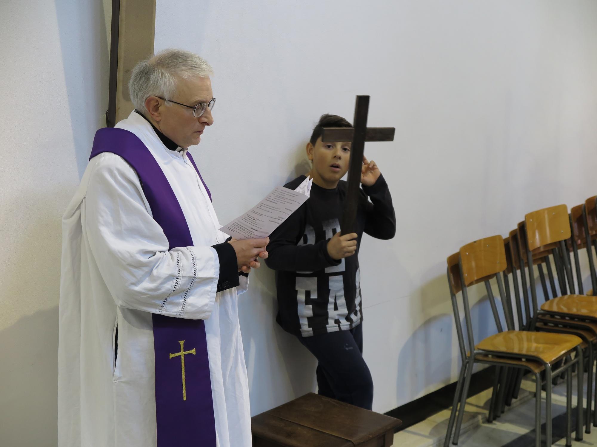 via-crucis-catechismo-2016-03-18-15-27-53