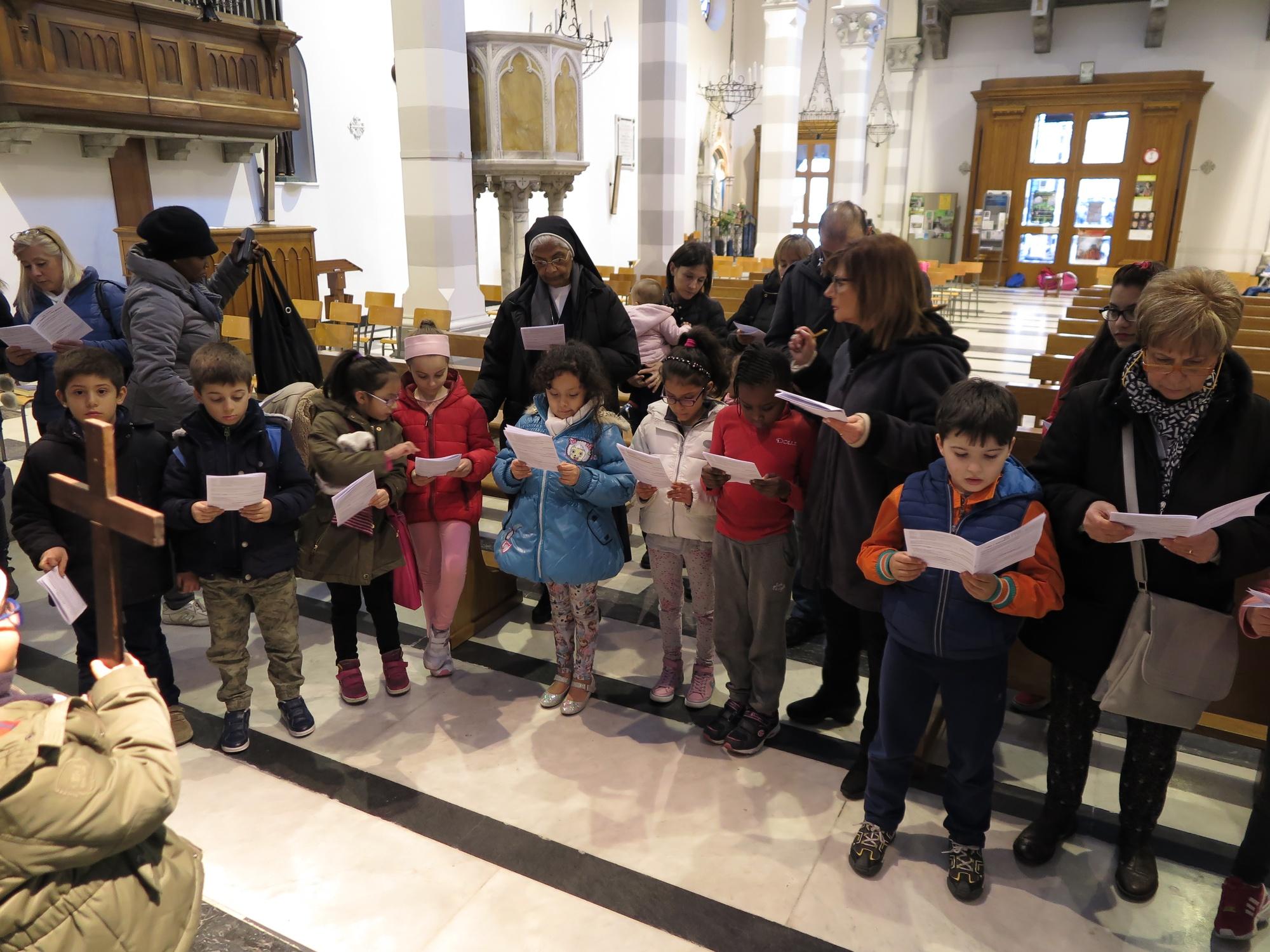 via-crucis-catechismo-2016-03-18-16-59-06