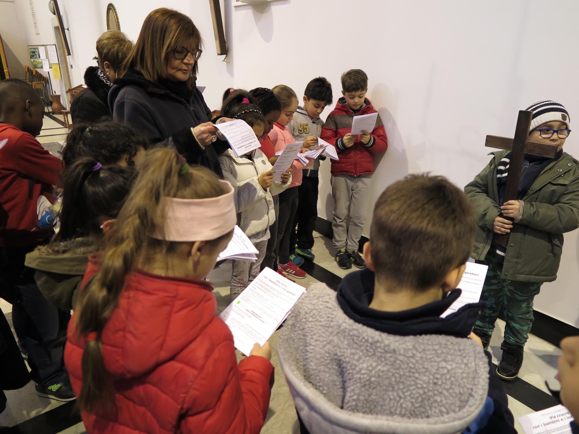 via-crucis-catechismo-2016-03-18-17-01-55