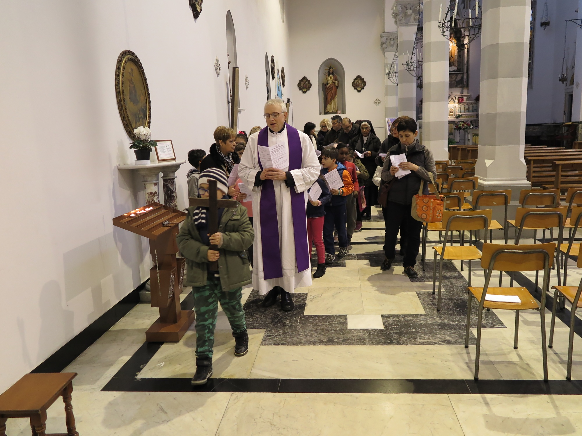 via-crucis-catechismo-2016-03-18-17-07-55