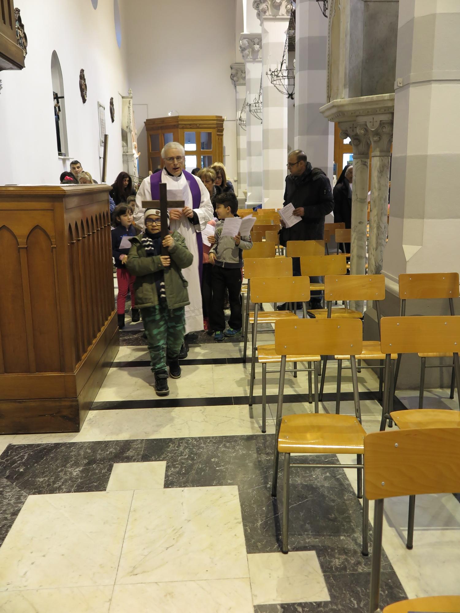 via-crucis-catechismo-2016-03-18-17-18-41