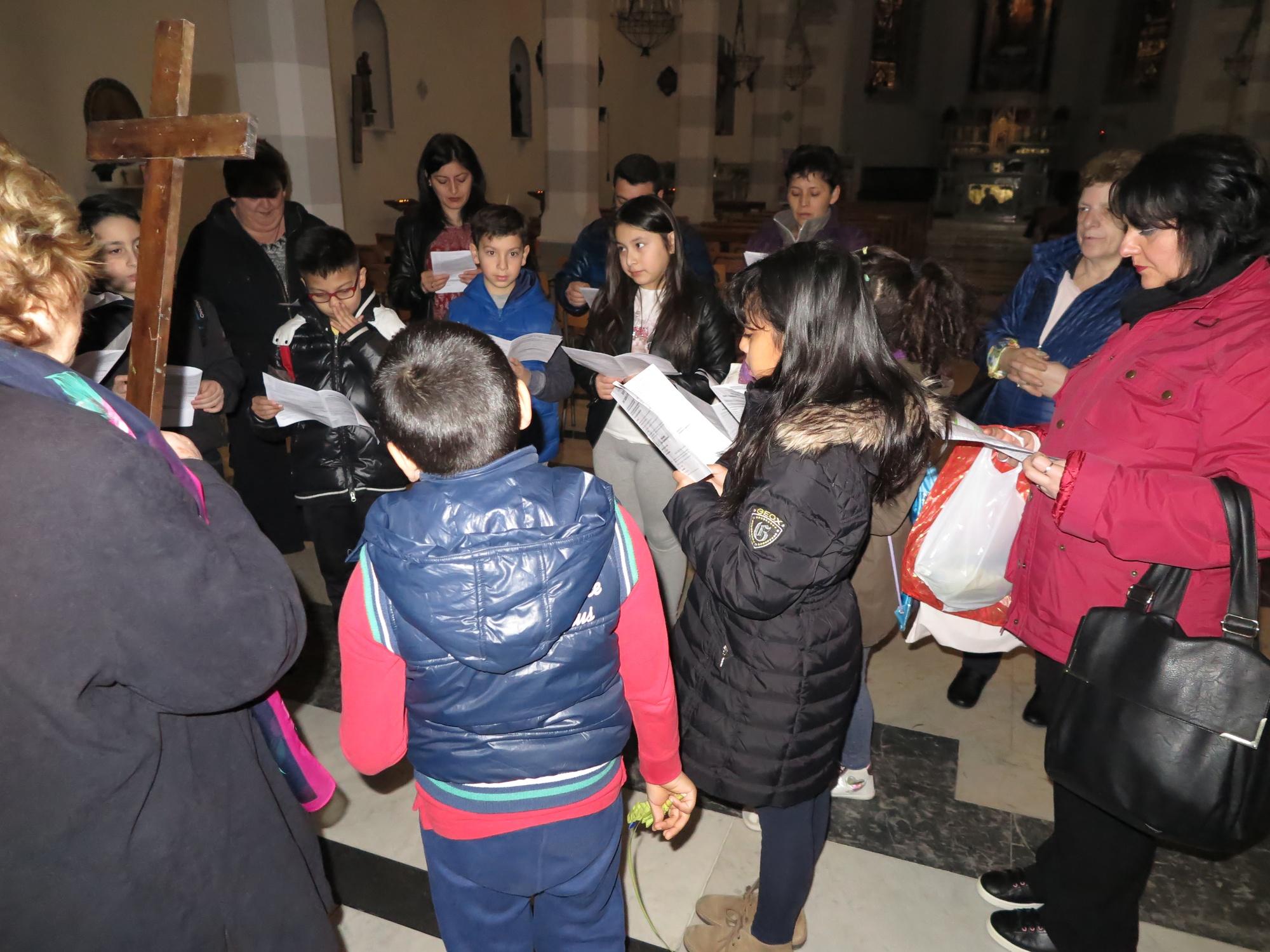 via-crucis-catechismo-2016-03-20-10-22-04