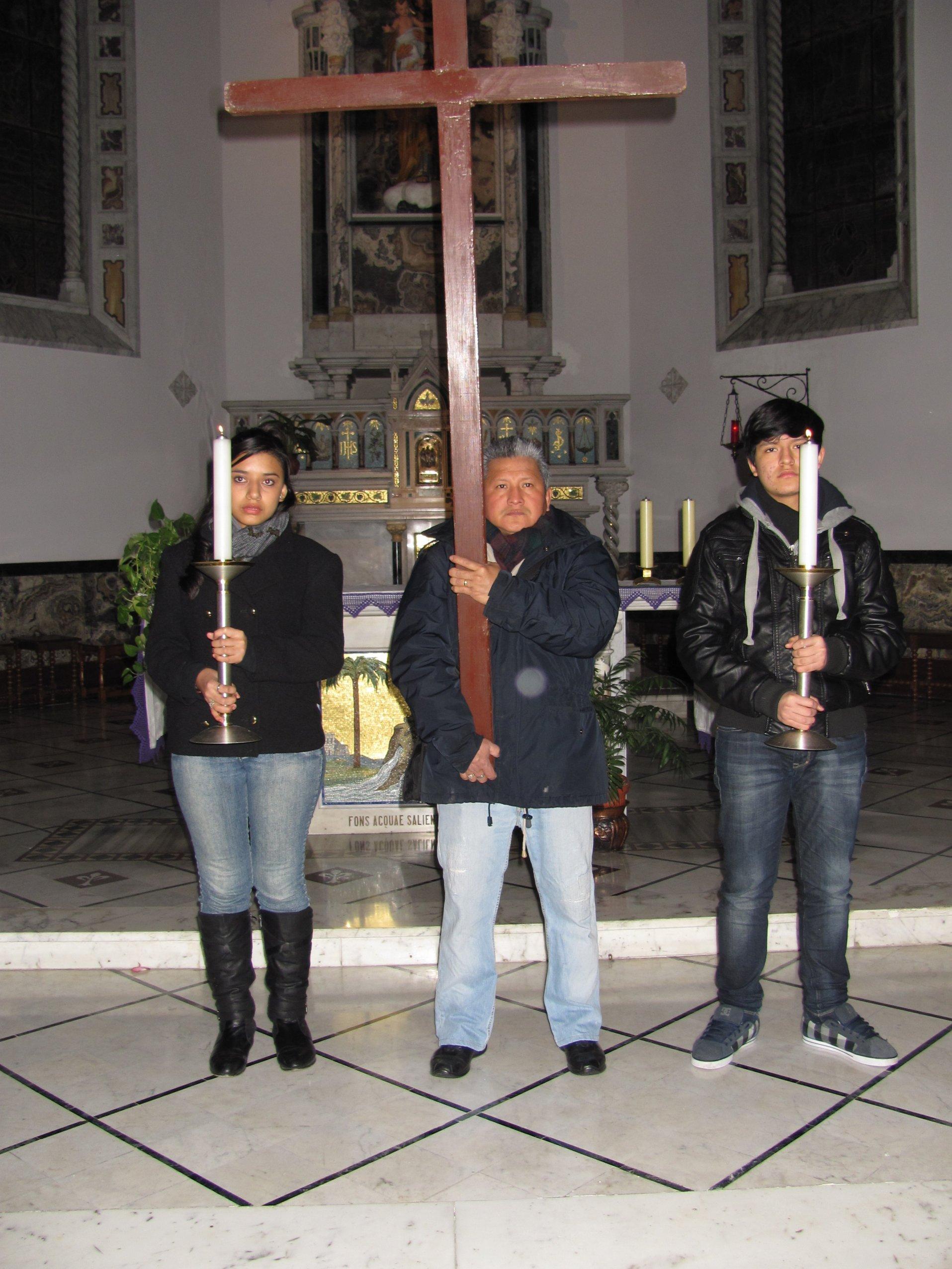 via_crucis_parrocchiale_2013-03-08-21-14-26