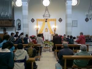 Adorazione_bambini_altare_reposizione_2014-04-18--10.34.34